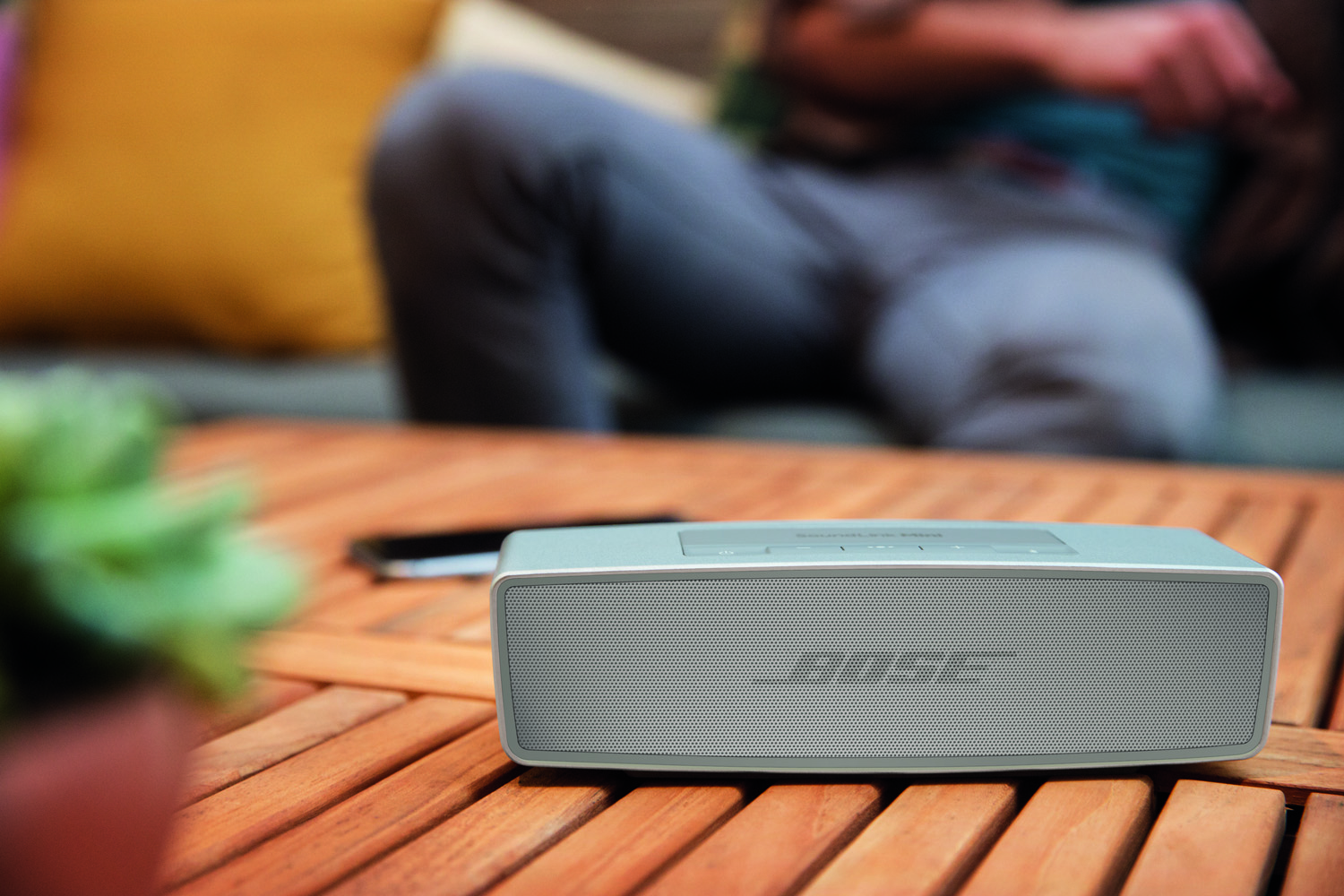 bose_soundlink_mini_speaker_ii-2